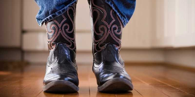 Stretch Cowboy Boots Around the Calf